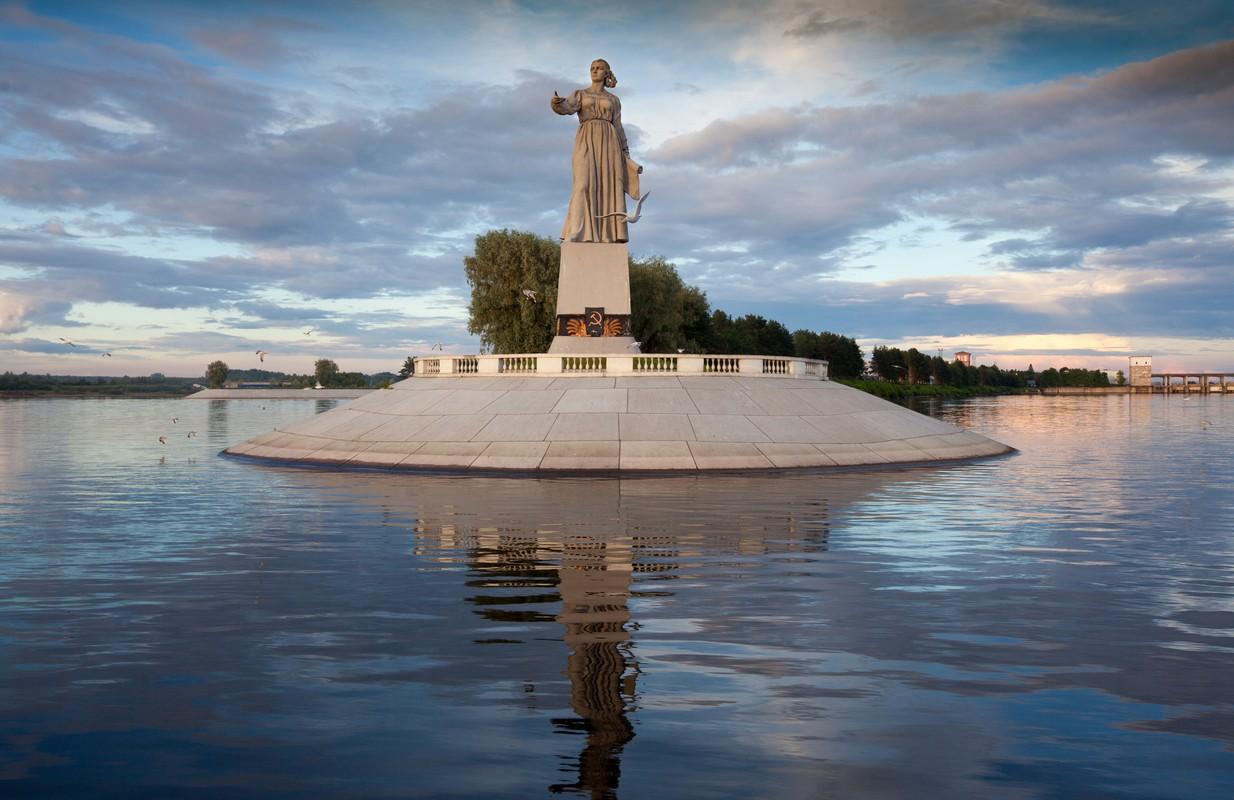Перевод с казахского на русский по картинке торжественности помещению